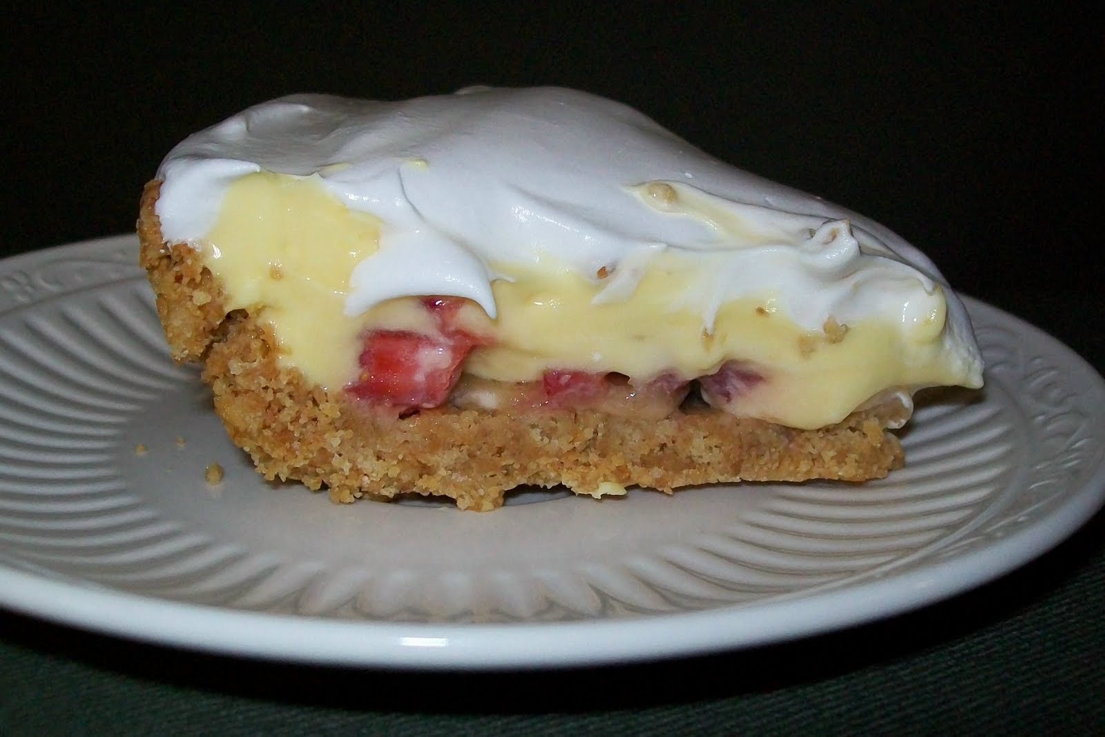 Maman A Droit: Strawberry Banana Pudding Pie