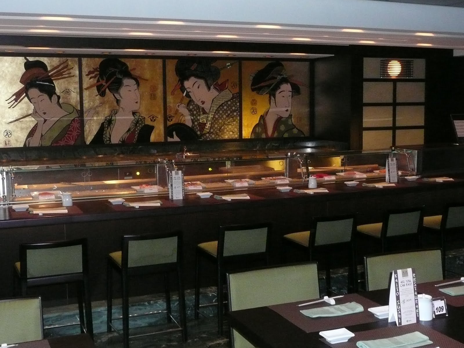 Myvacationlady review of the msc poesia for Asian restaurant decoration
