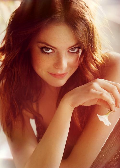 Les plus belles femmes du Monde - Page 2 Emma+stone+looking+seductive