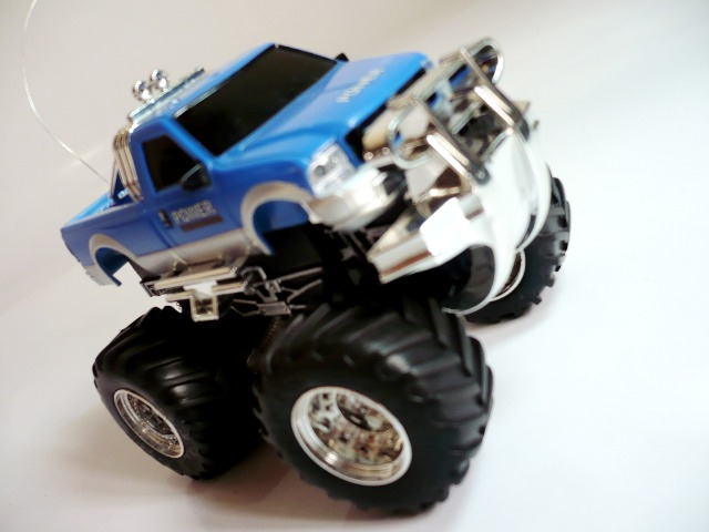 FORD RANGER escala 1:64