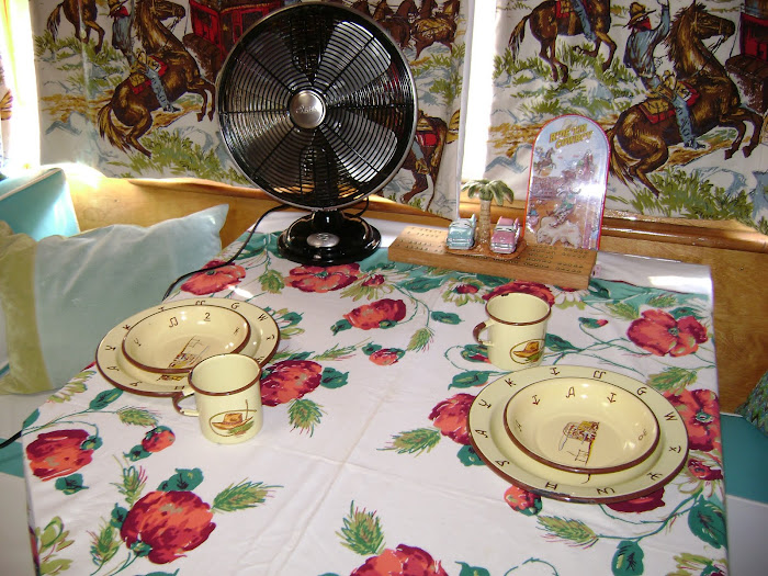 A great vintage tablecloth that I found on eBay - a great deal!