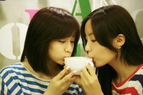 [Picture] T-ara member...