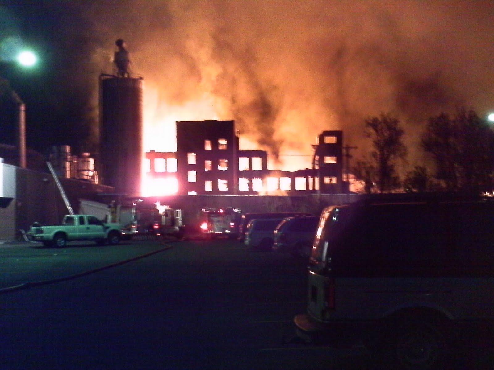 http://3.bp.blogspot.com/_Ah1YLDg8Hfg/S-TIuO40z8I/AAAAAAAAORY/uRi9ur1toSc/s1600/IMAG0064+salamanca+fire+5.jpg
