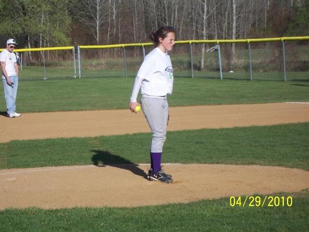 http://3.bp.blogspot.com/_Ah1YLDg8Hfg/S9yPuZm3QjI/AAAAAAAAOFk/563B2Eljwac/s1600/Lexi+Easton+pitching.jpg