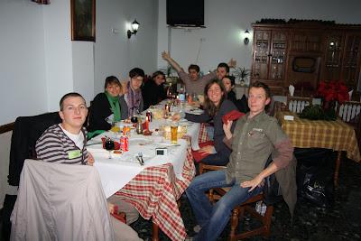 Un sve elche espagne repas de no l entre volontaires au restaurant le me - Repas de noel espagnol ...