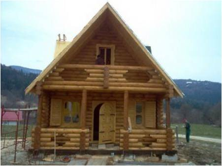 Ville case con struttura in legno dalla romania ville for Case di legno in romania