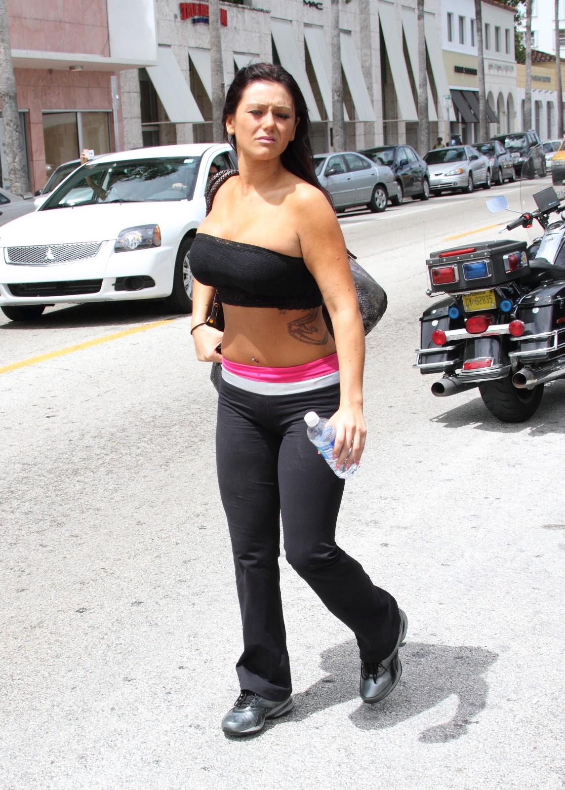 http://3.bp.blogspot.com/_AjWUpQhTvyg/S7xybvVyxnI/AAAAAAAAAdo/atkfvI7jg6w/s1600/Jenni+Farley+Her+Body+Show1.jpg