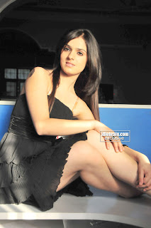 Shefali Show Her Sexy Colorless Milky Thighs in Black