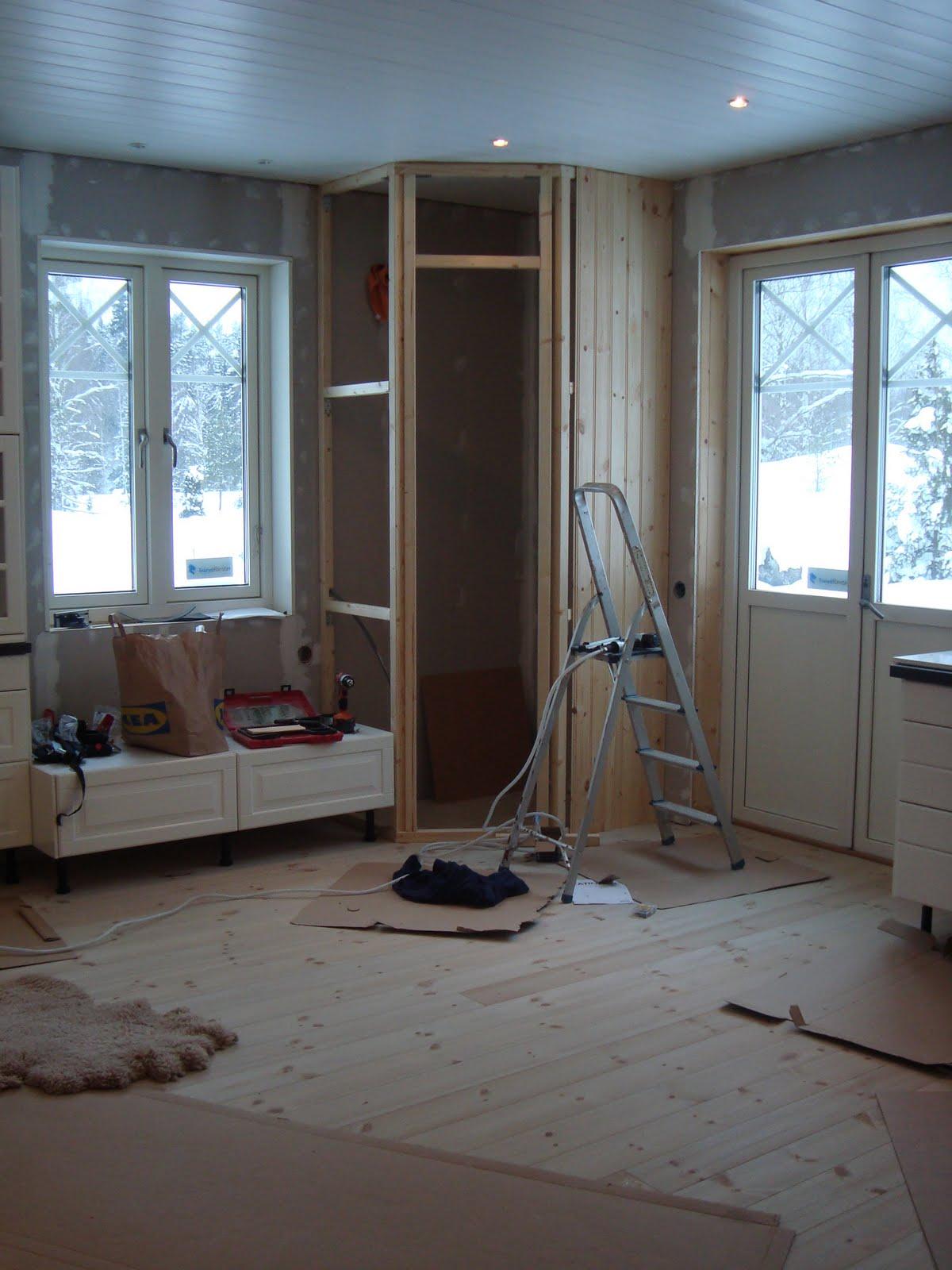 Claras hem pÅ byvÄgen : skafferibygge!