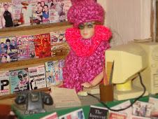 El traje que me regalo mi amiga Shettel, le quedo a Lupita la bibliotecaria ni mandado hacer!!!