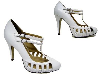 chaussures blanches plateforme à brides, vide dressing