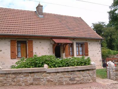 Façade maison bourguignonne