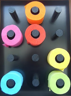 papier toilette noir, multicolore