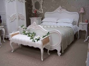 Arti's Dream Themes: Luxurious French Style Bedroom