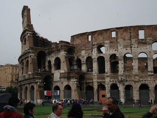 Colosseum pictures or  Coliseum Roman wallpapers, new seven wonders of the world images