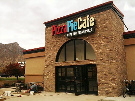 LDS Mom to Many: Pizza Pie Cafe - Great fare at a fair ...