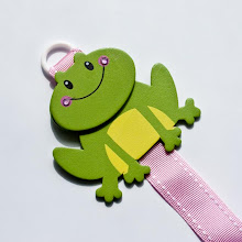 Fiona the Frog hair clip holder