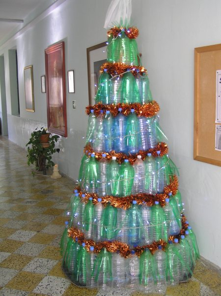 Recycled xmas tree learningenglish esl Christmas tree ideas using recycled materials