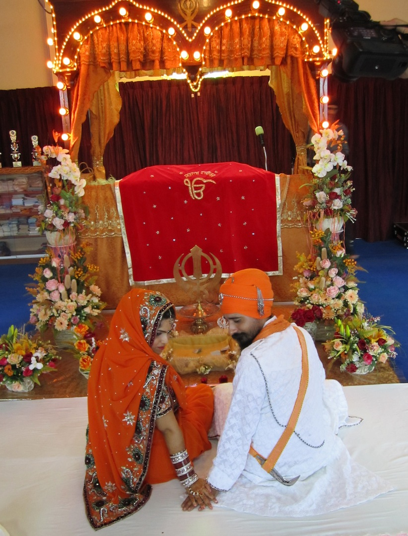 Capturing penang a sacred sikh wedding junglespirit Images