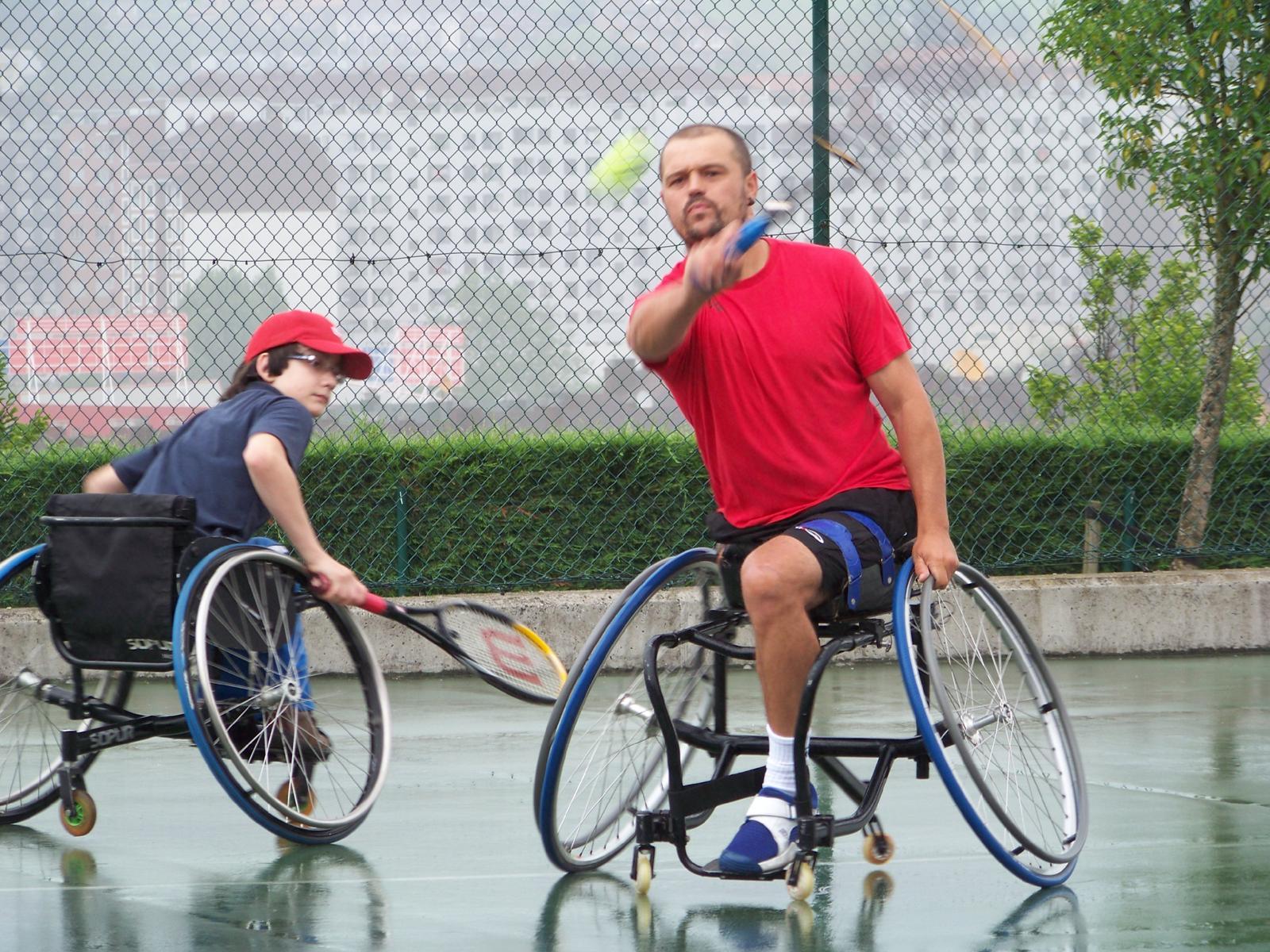 Tenis en silla de ruedas junio