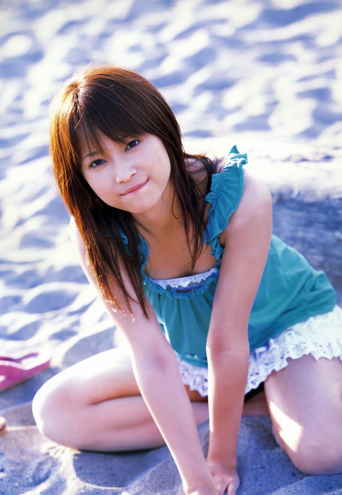 http://3.bp.blogspot.com/_AvqYvLHRAxM/SwP20kqviMI/AAAAAAAADhw/CfRMlqxMJjM/s1600/idol_eri_kamei_067.jpg