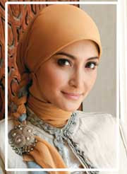 Beautiful asian girl of jilbab fashion show 2009