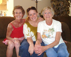 Me, Linz and Mom