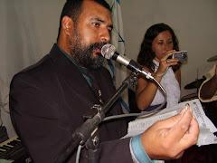 PASTOR CELEBRANDO O CASAMENTO RELIGIOSO COM EFEITO CIVIL DA IRMÃ IRANETE E DO IRMÃO ALEX
