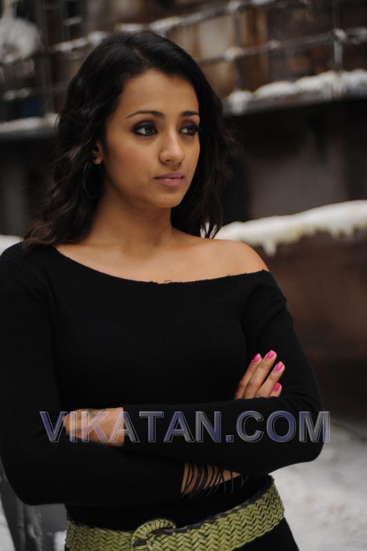 Trisha cute stills from Tamil Movie