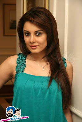 Hot Sxe 18 http://www.zimbio.com/Minissha+Lamba/articles/FxMvYgW2SFX/MINISHA+LAMBA+Hot+Gillette+Promotional+Shaving