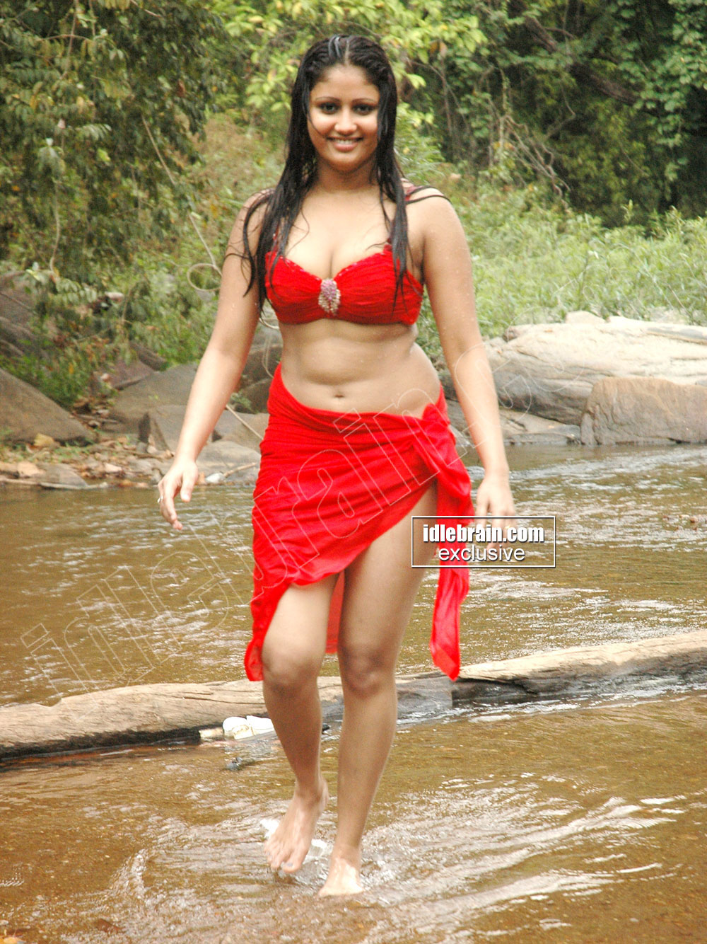South Masala Actress Amrutha Valli Spicy Bathing Pictures