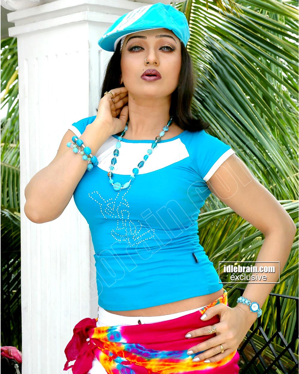 ramyasri23 Tamil Actress Ranjitha Photo Gallery. Tuesday, April 12, 2011