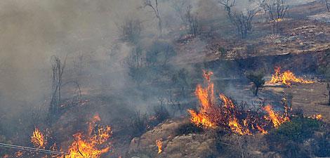 Συντονισμός υπηρεσιακών παραγόντων για το μέτωπο της φωτιάς