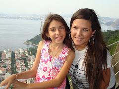 Bárbara e a dinda Mariana fazendo roteiro turístico( rs) no Rio.