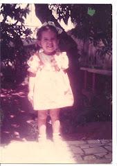 Mariana, com dois anos.. continua com a mesma cara sapeca