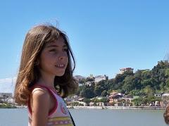 Bárbara, um doce de menina,no Chinaê( by Malta)