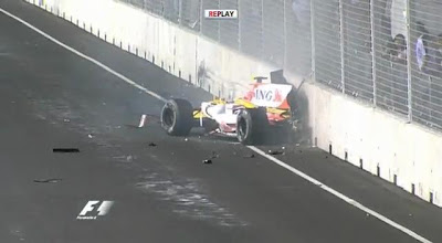 Nelson Piquet Jr. crashing in Singapore 2008 (F1 Renault CrashGate)