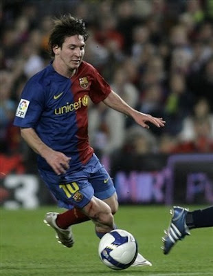 barcelona fc messi. Barcelona player Lionel Messi
