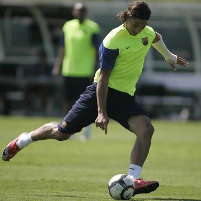zlatan+ibrahimovic+barcelona+training+injury خلفيات برشلونة   صور برشلونة   صور البارصا   صور جديدة للبارسا 2010  FC Barcelona wallpapers
