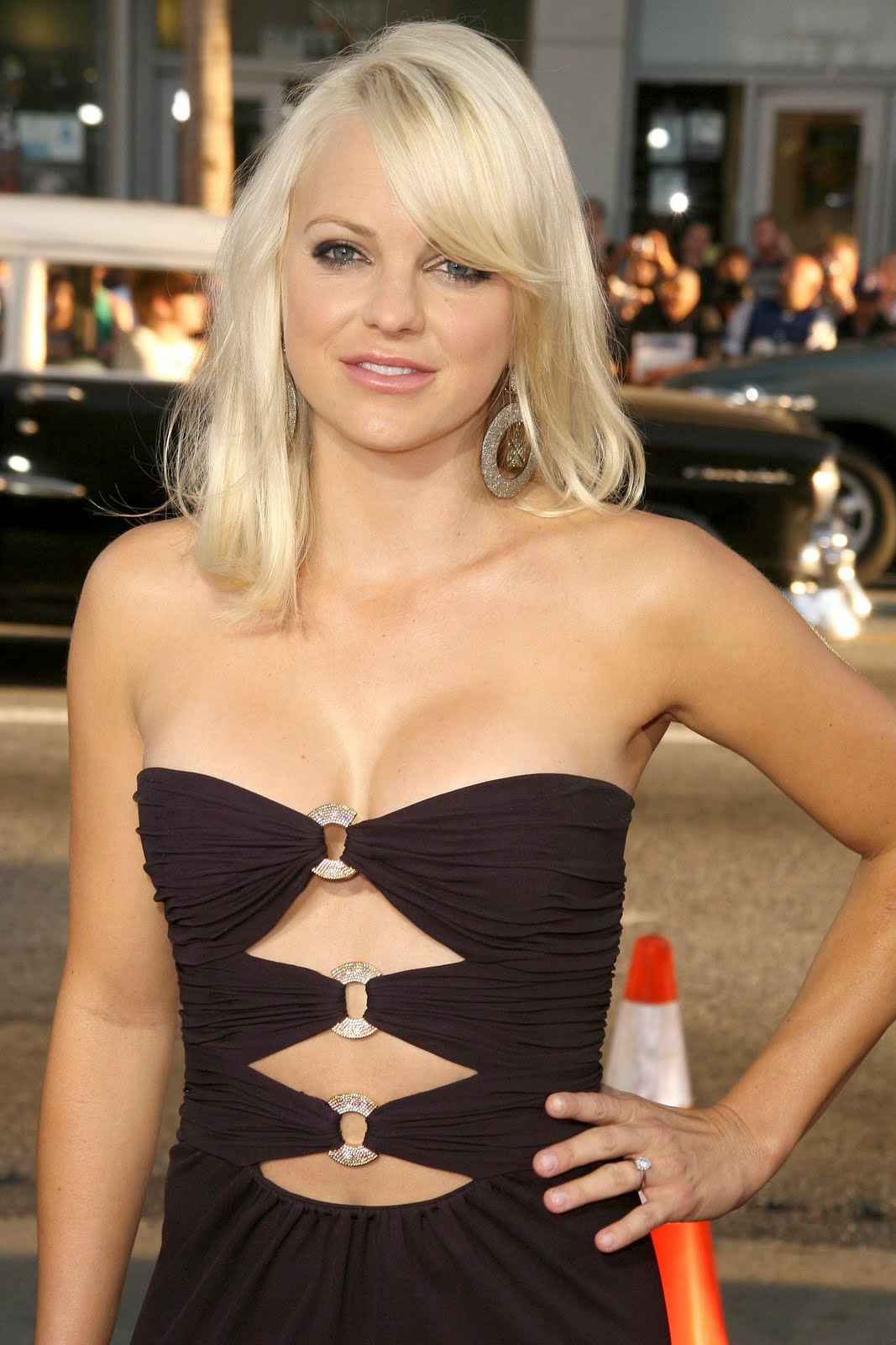 Anna Faris Measurements , Bra Cup, Breasts, Hips, Body Size