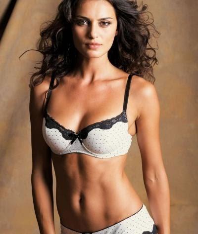 Catrinel Menghia Measurements Bra Cup Breasts Hips