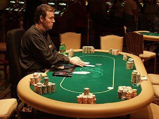 Любовь - как покерная раздача.
