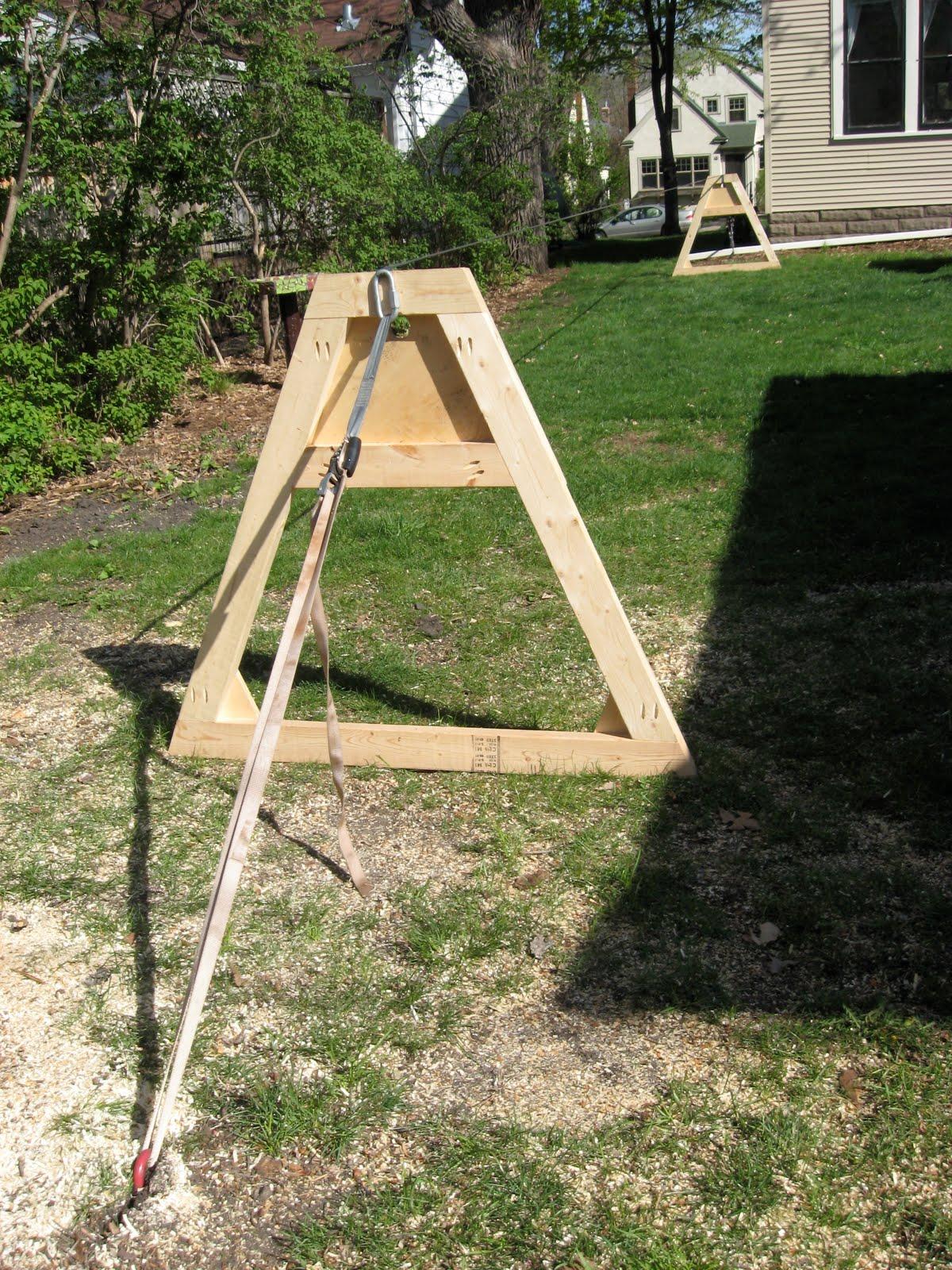 Chateau Fortineux: Slackline Setup with A-Frames
