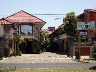 Hotel ARJUNO Jl B S Riadi 122 Malang Telp 0341