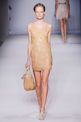Couture Carrie: In the Nude
