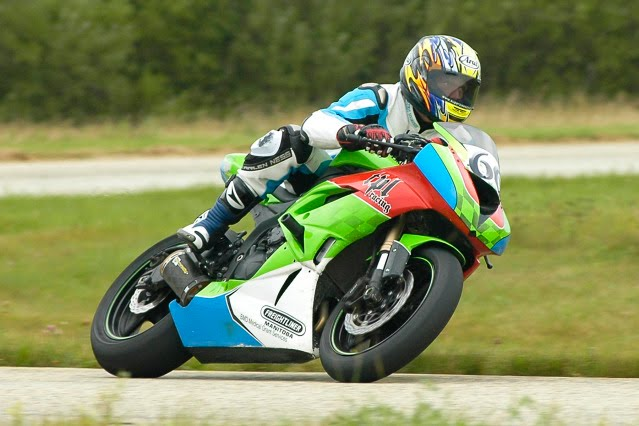 Dr Garry Murray on the ZX6RR