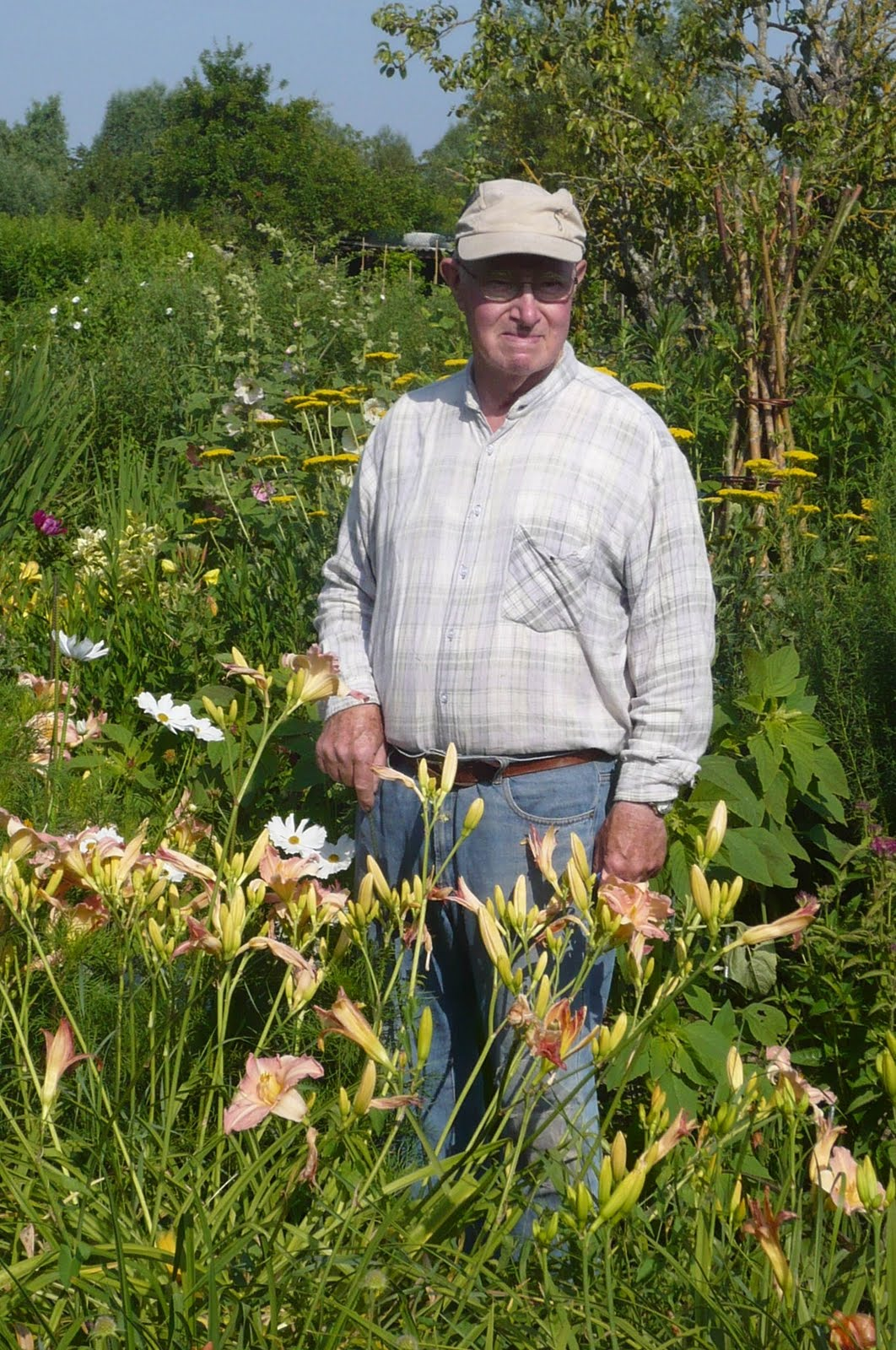 Marais de bourges le po te jardinier michel laporte for Le jardin des fleurs bourges