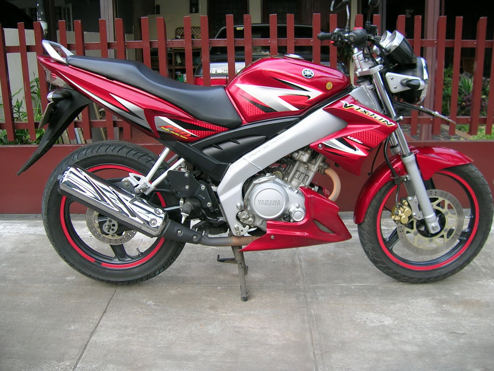 Spesifikasi Yamaha V-IXION Fuel Injection 2010