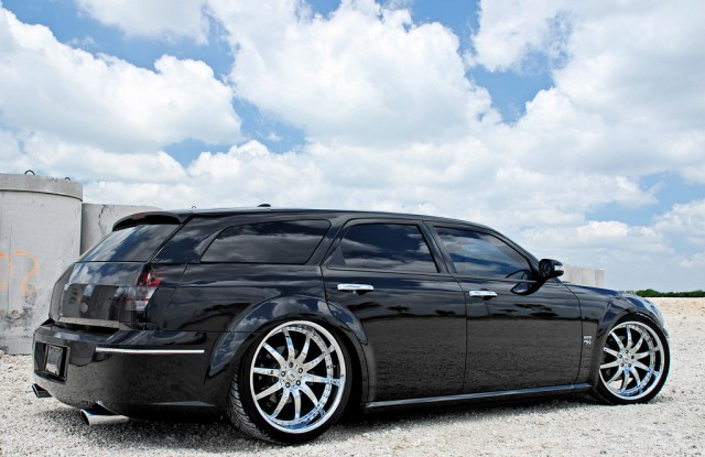 fastest car in the world 39 s most expensive dodge magnum. Black Bedroom Furniture Sets. Home Design Ideas