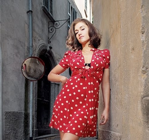 Elisa l amour plus size fashion stylist late 40s early 50s natural